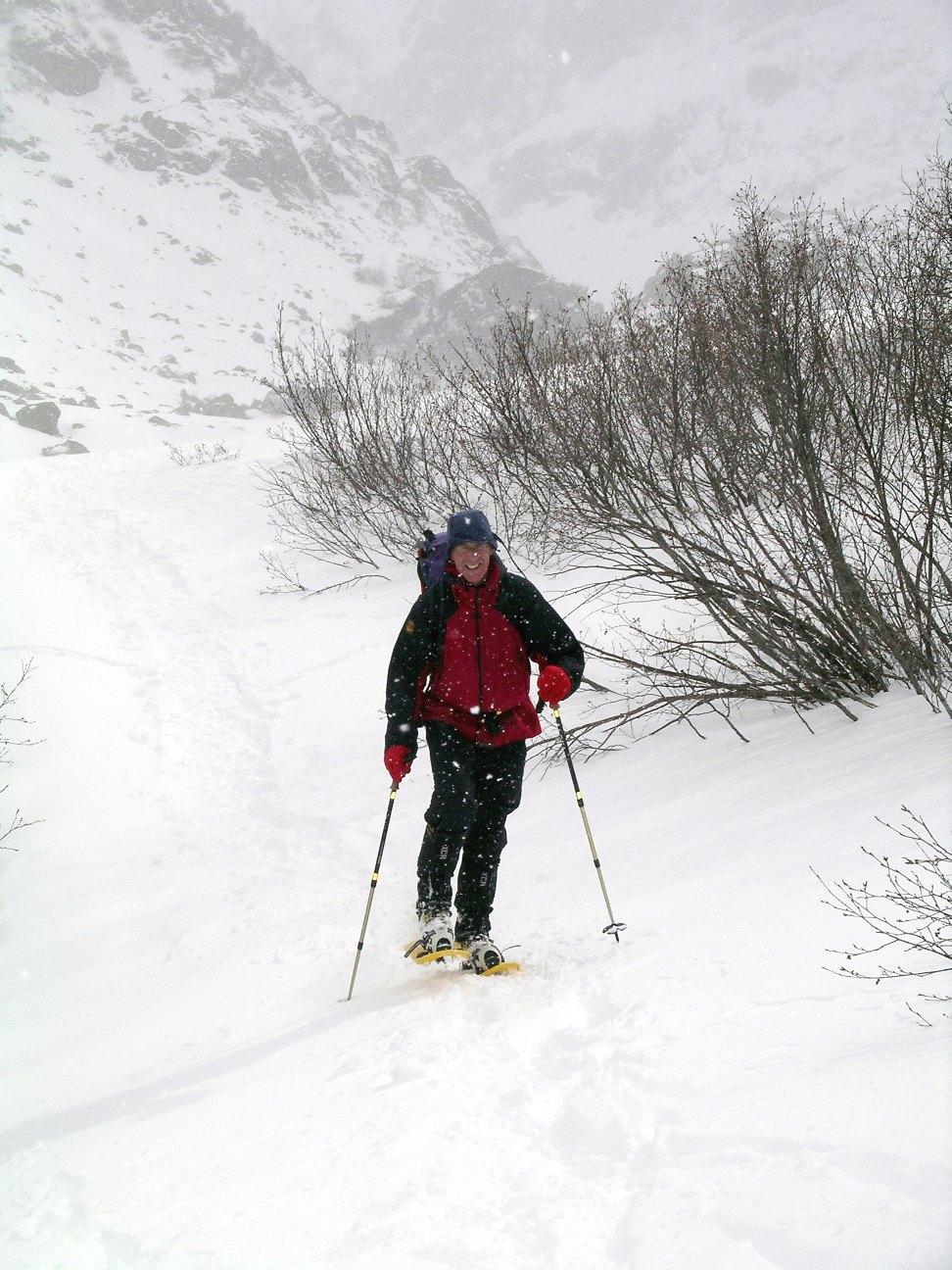 snowshoeing-mar-07-01